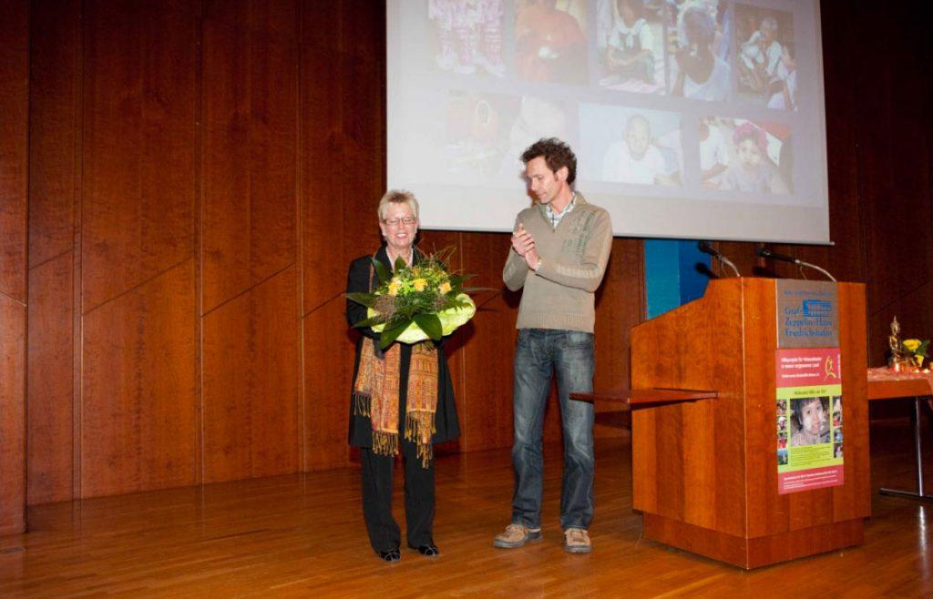 Martin Meyerle dankte Carla Mayer für Ihren spannenden Vortrag