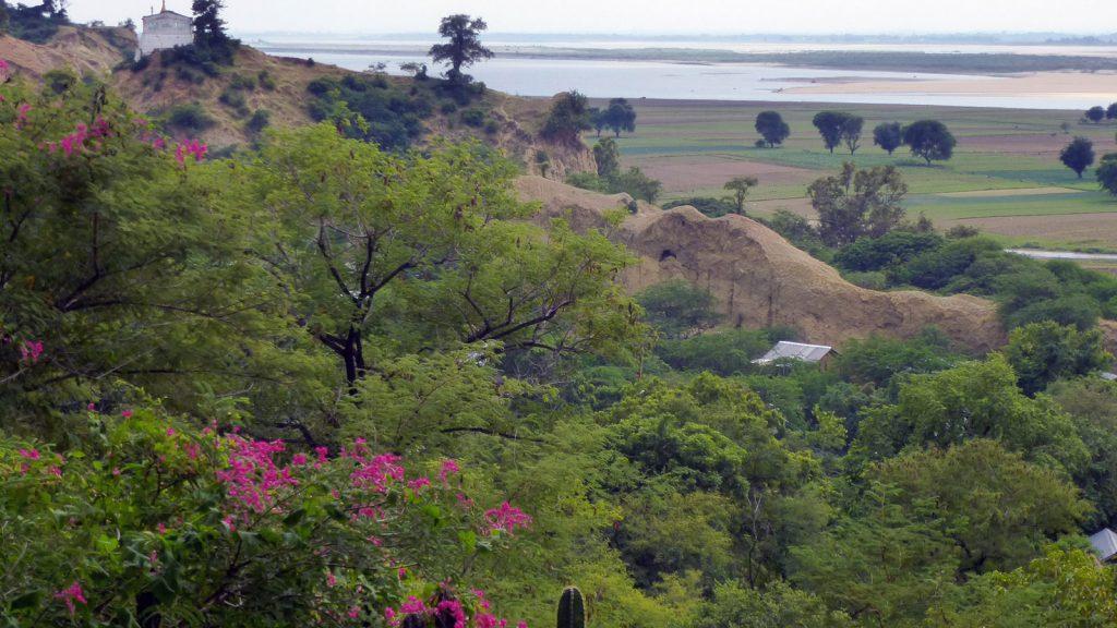...mit wunderbarem Blick über den Ayeyarwady