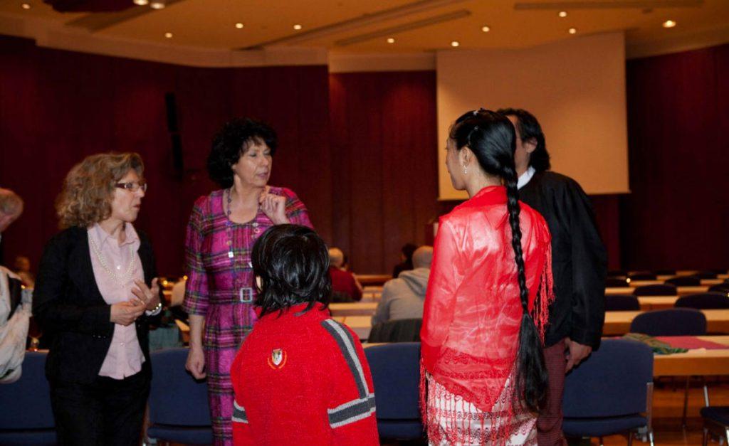 interessante Gespräche unter den anwesenden Gästen