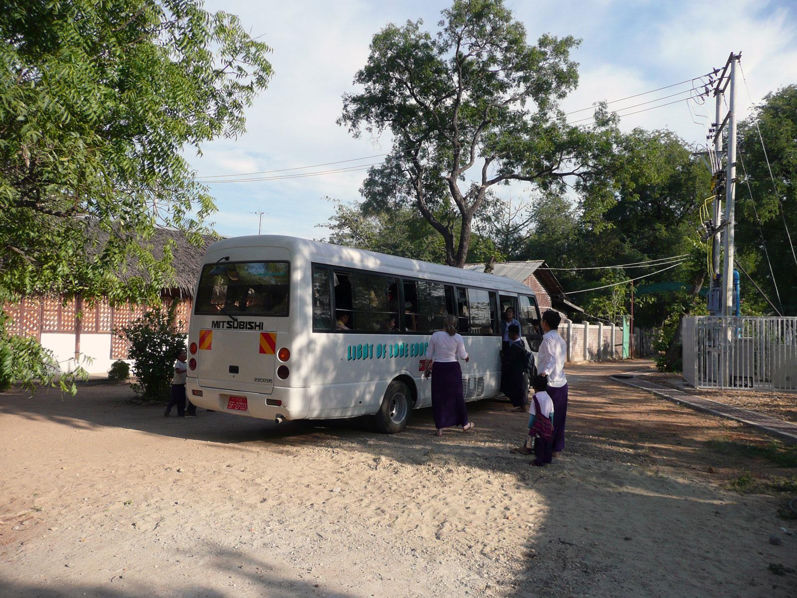 Der große Schulbus