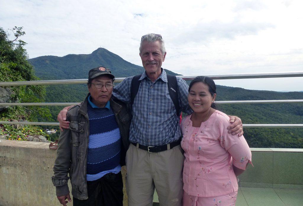 Die Englischlehrer mit Frau des Kollegen