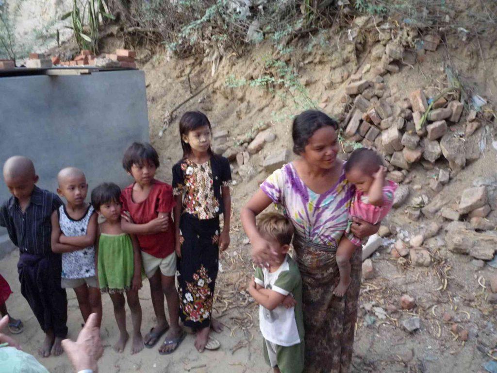 Manche Familien haben 8 Kinder, wie ein stolzer Vater uns dort erzählte