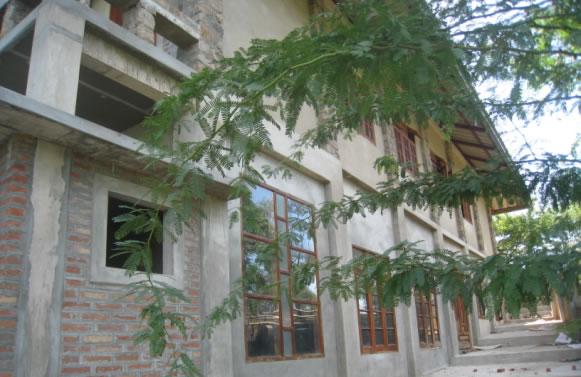 Rückseite des Schulgebäudes