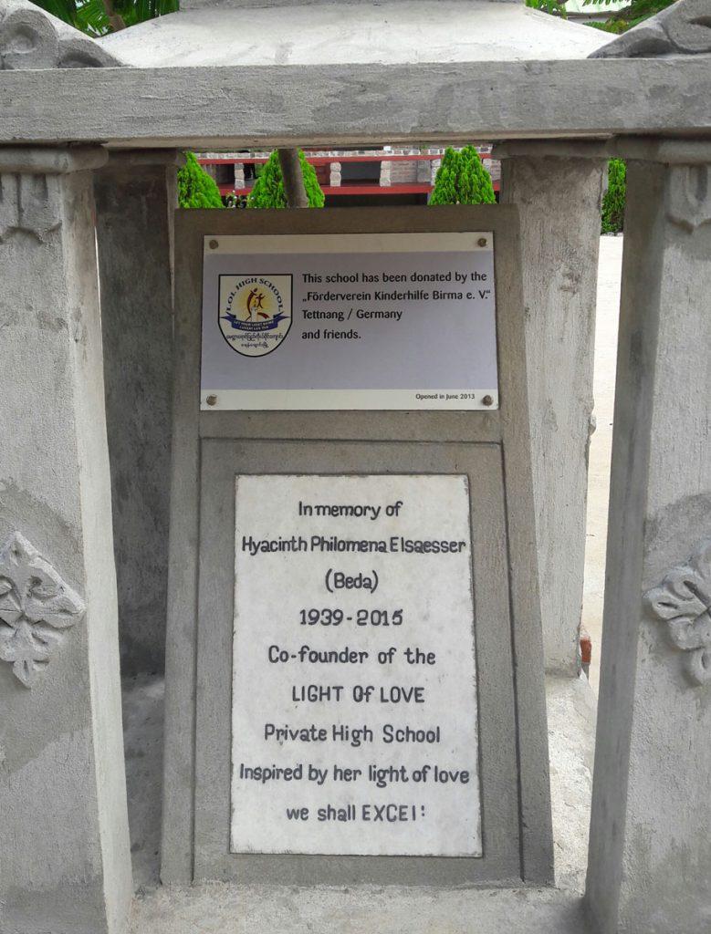 Die Gedenktafel für die verstorbene Beda Elsässer