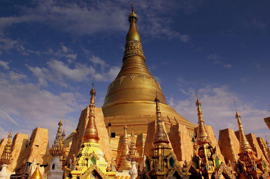 Shwedagon-Pagode in Yangon - (c) calflier001 - SHWE DAGON BUDDIST PAGODA YANGON MYANMA JAN2013