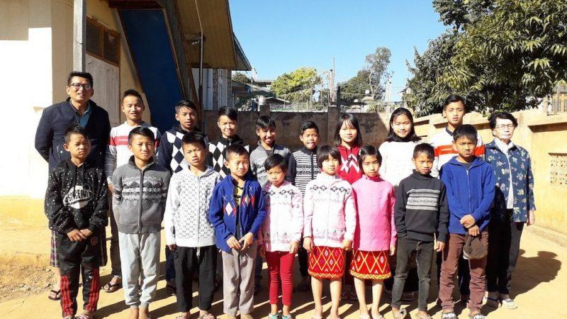 POL children with staff